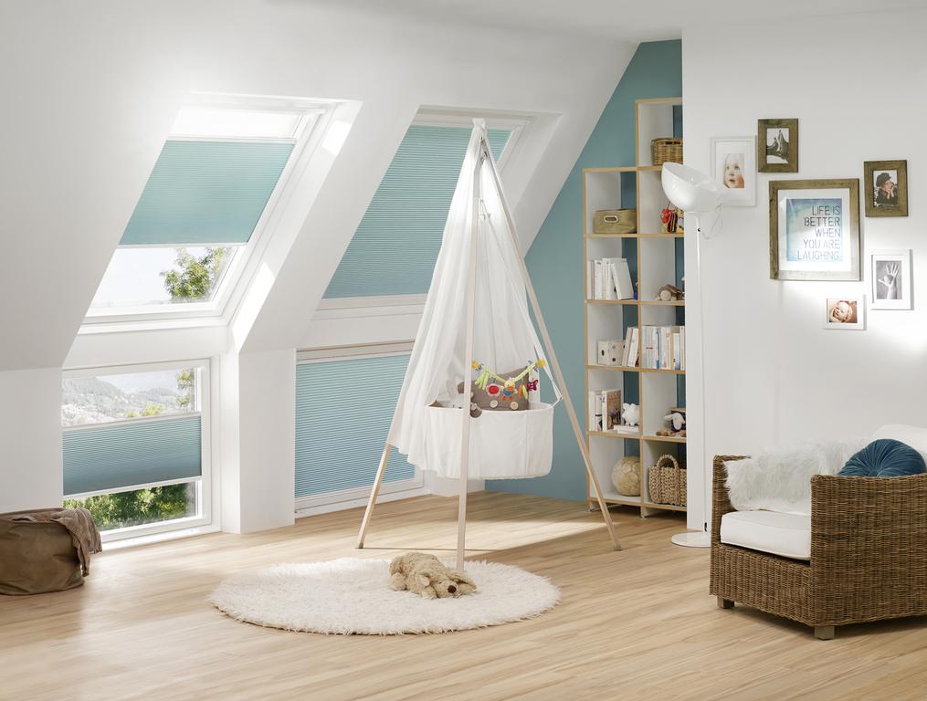 rollos jalousien faltstores plissees sonnenschutz raumgestaltung lamellen vertikallamellen. Black Bedroom Furniture Sets. Home Design Ideas